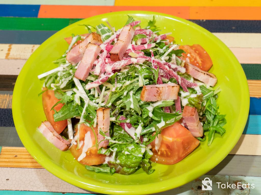 ベーコン・レタス・トマトのシーザーサラダ